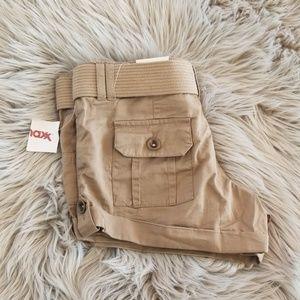 Khaki Dollhouse shorts with khaki belt